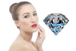 девушка с бриллиантом