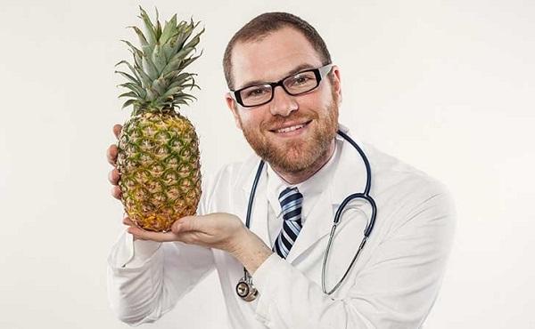 doktor-s-ananasem